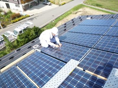 S様太陽光発電設置工事~融雪ヒーター設置状況