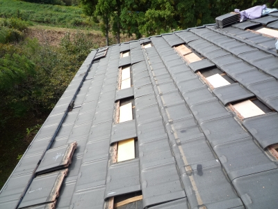 N様太陽光発電設置工事~支持瓦用木板取付状況