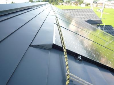 太陽光発電設置工事~落雪処理状況
